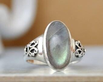 VINTAGE FIND, sterling silver labradorite ring size 8.3