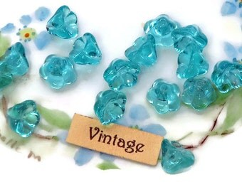 Vintage Tulip Flowers Beads Aqua Glass 6mm 9mm Flower Blue Small NOS Marine Teal Shabby Chic cottage Czech Republic. #808