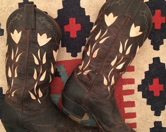 vintage. Classic Justin Leather Cowboy Boots • Men's Size 8 Women's Size 9.5 to 10