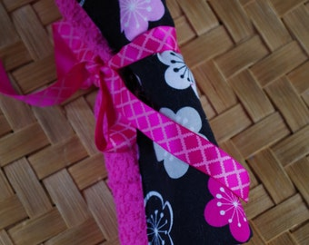 Custom Travel Toothbrush Roll Black and Pink Flowers