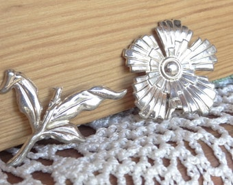 Sterling Silver Flower and Stem. Vintage Jewelry Destash Findings. Great for Upcycled Jewelry D11
