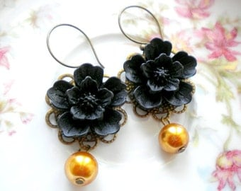 Gold Pearl Earrings Black Flower Earrings Gold Bridesmaid Jewelry Gold Dangle Earrings Maid Of Honor Gift Gold Wedding Jewelry Gift For Her