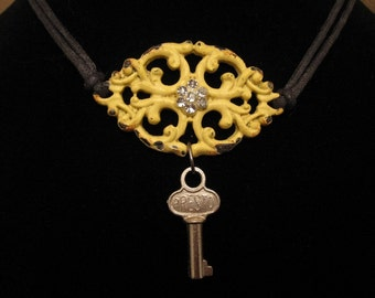 urban artifact choker necklace - shiny vintage key, reproduction fancy hardware component