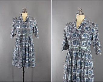 Vintage 1950s Dress / 50s Day Dress / Blue  Floral Print Cotton / Shirtwaist Summer Dress / Size Medium M