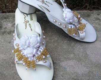 Come Walk A Mile In My Shoes Fab 60s 70s Hawaiian fashions Open Toe sandal White Size 6