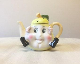 Miniature teapot, vintage novelty teapot, mini teapot, collectible teapot, china teapot, vintage miniature, small teapot, ceramic teapot