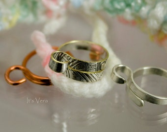 The original crochet ring as seen in Knit Wear (USA), Simply Knitting (UK), Knitsy (UK), knitting ring, crochet ring, knitting accessories