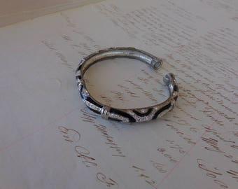 Bracelet - Vintage Magnetic rhinestone and black ceramic bracelet