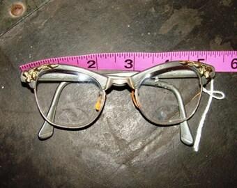 Vintage Eyeglasses Gray Gold 40's Harlequin 50's Cat Eye Detail Art Craft 4-5 1/2 Diamond Deco Chain Link Design