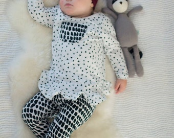 Black triangle print tunic top, Girls top, baby girl top, girls ruffle top, black and white top, baby girls clothes