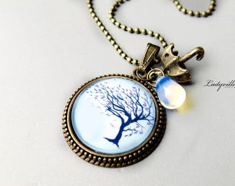 VINTAGE NECKLACE  - Stormy Tree with an umbrella
