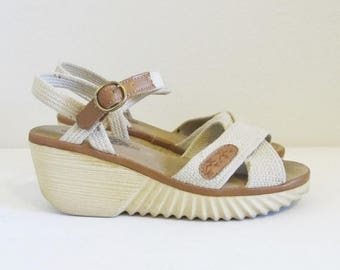 40% OFF SALE Vintage 1970's Platform Heels / Size 6.5 Heeled Bohemian Hippie Wedge Heeled Sandals Shoes