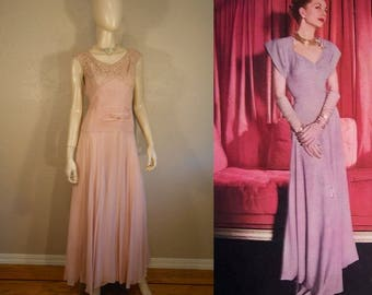 A Debutante's Way - Vintage 1940s WW2 Mauve Pink Lace Rayon & Chiffon Gathered Pleat Evening Gown - 4/6