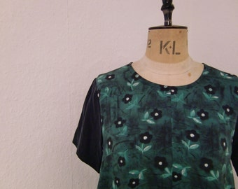 Green and Black Floral Print Midi Tunic Dress ... Small only