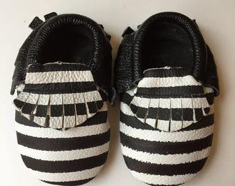 Sale Children Black and White Striped  Moccasins Ready to ship, Moccs, Baby Moccs, Baby Moccasins Shoes, Toddler Shoes