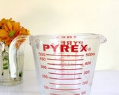 Sale Vintage Pyrex 2 Cup or 16 ounce Glass Measuring Cup, Red Lettering, Open Handle, #516