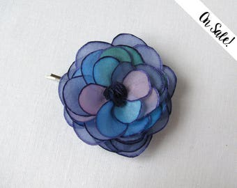 Blue violet silk rose hair pin - hand painted silk rose bobby pin - wedding hair flower - ***Item on sale*** Previous price : 13.50 EUR