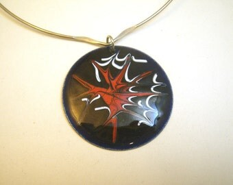 1970s Pop Art Abstract Enamel on Sterling Disc Signed on Wire Choker Necklace Red White & Blue