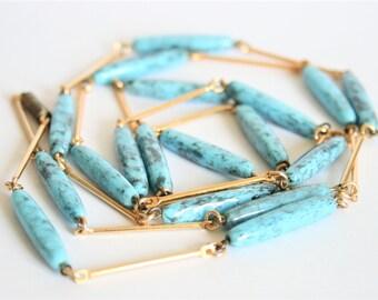 Vintage blue glass bead necklace. Turquoise bead necklace. Long necklace.  Antiker schmuck