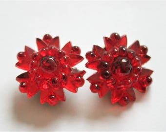 Vintage red flower earrings. Czech glass earrings.  Clip on earrings.  Vintage jewellery