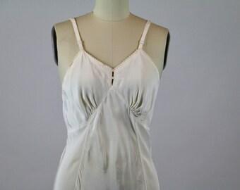 Vintage Slip / 1930s Slip 1940s Slip / Rayon Slip White Slip / 1940s Dress Slip / Rayon Lingerie / Sheer Slip Pinup  Slip 34 S M