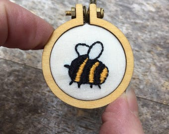 Mini Bee Necklace, Mini Embroidery Hoop Necklace, Mini Embroidery Pendant, Bee Embroidery Necklace, Bumblebee Necklace, Mother's Day Gift