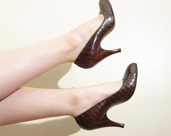 Vintage 1950s Crocodile Leather Brown Pumps / 50s High Heels Herbert Levine Joseph Salon /  7 1/2
