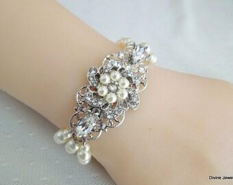 Pearl Bracelet Bridal bracelet wedding jewelry Cuff bracelet pearl bracelet with Swarovski white pearls and Swarovski crystals AMELIA