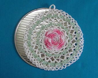Vintage Pro-tex Table Mat Hot Pad Trivet With Floral Crocheted Cover