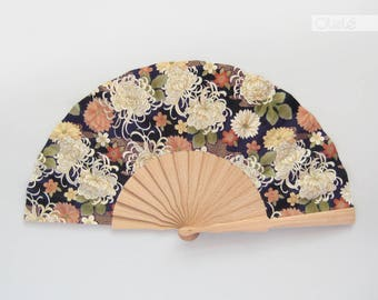 Japanese white flowers on dark purple | Spanish folding hand fan |  golden print | Floral accessory | Wedding Bouquet | quinceanera gift