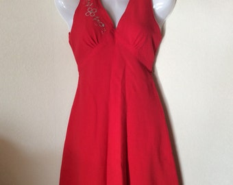 Vintage german 60s mini dress in tomato red with silver embroidery. Junior, teen or tiny dress