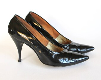 Vintage 1950s/1960s Black Patent Leather Stiletto Heel Women's Shoes Size 7 with Original Box