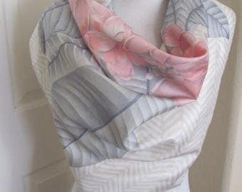 "Jim Thompson Scarf // White Gray Pink Floral Thai Silk Scarf (X)  // 32"" Inch 81cm Square // Best of the Best"