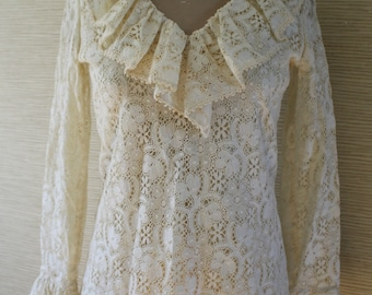 Pretty Vintage 1970's Cotton Lace BLOUSE...Joy Stevens California...Ruffled Neckline...