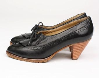vintage 1970s KILTIE heels • black leather stacked wood heel sz 8