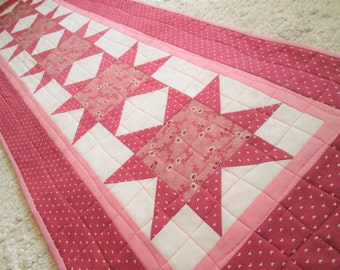 Quilted Cottage Chic Star Table Runner