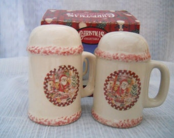 Christmas Mug Salt and Pepper Shakers - vintage, collectible, Holiday