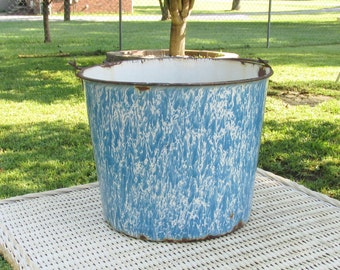 Vintage Granite ware  Enamelware Bucket with Bail Handle Blue and White Splatter Farmhouse Barn  Bucket