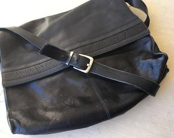 Vintage 90's Black Messenger Leather Handbag
