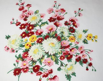 Stunning, Rare Dianthus & Chrysanthemums Wilendur Vintage Tablecloth Piece for Pillow or Projects - 17.5 x 17.5 Inches