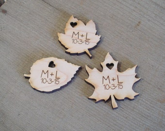 25 Wood Leaf Wedding Favors Personalized Wedding Leaves