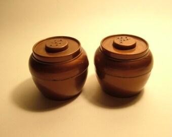 Vintage plastic Salt and Pepper Shaker Set Brown