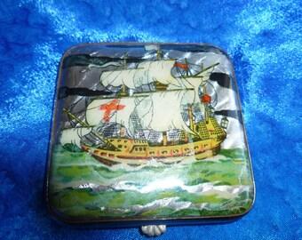 Vintage Gwenda Foil Compact - Made in England Sailing Ship powder compact - handbag accessory - Columbus Ship - Ladies 1950's compact