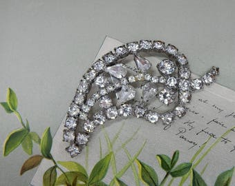 1940s Rhinestone Leaf Shape Brooch Pin   OY23