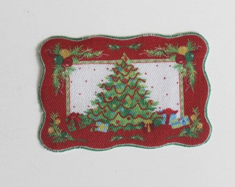 Miniature 1:12 Scale Scallop Edge Christmas Tree Design Dollhouse or Roombox Rug or Welcome Mat