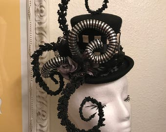 Burtons nightmare Mini top hat - Tim Burton beetlejuice jack skelington circus freak show clown cosplay fascinator tophat