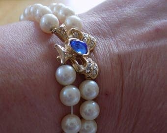 Vintage bracelet, signed Richelieu faux pearl and crystal bow 7 inch bracelet, wedding bracelet