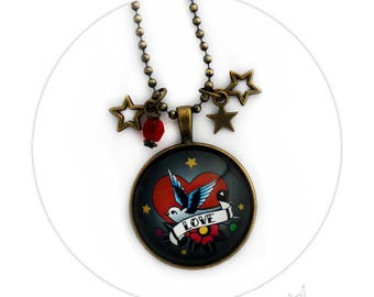 Collier Hirondelle Love Etoiles Perle de Verre Rouge Médaillon Rond Large