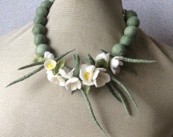 Romantic handmade flowers necklace Blossoms- felt necklace- floral accessories - handmade - wool necklace -  OOAK necklace - white flowers