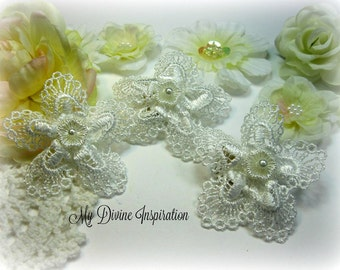 Shabby Chic White Handmade Venice Lace Flowers for Scrapbooking Cards Mini Albums Tags Hair Pieces Brooches and Crafts